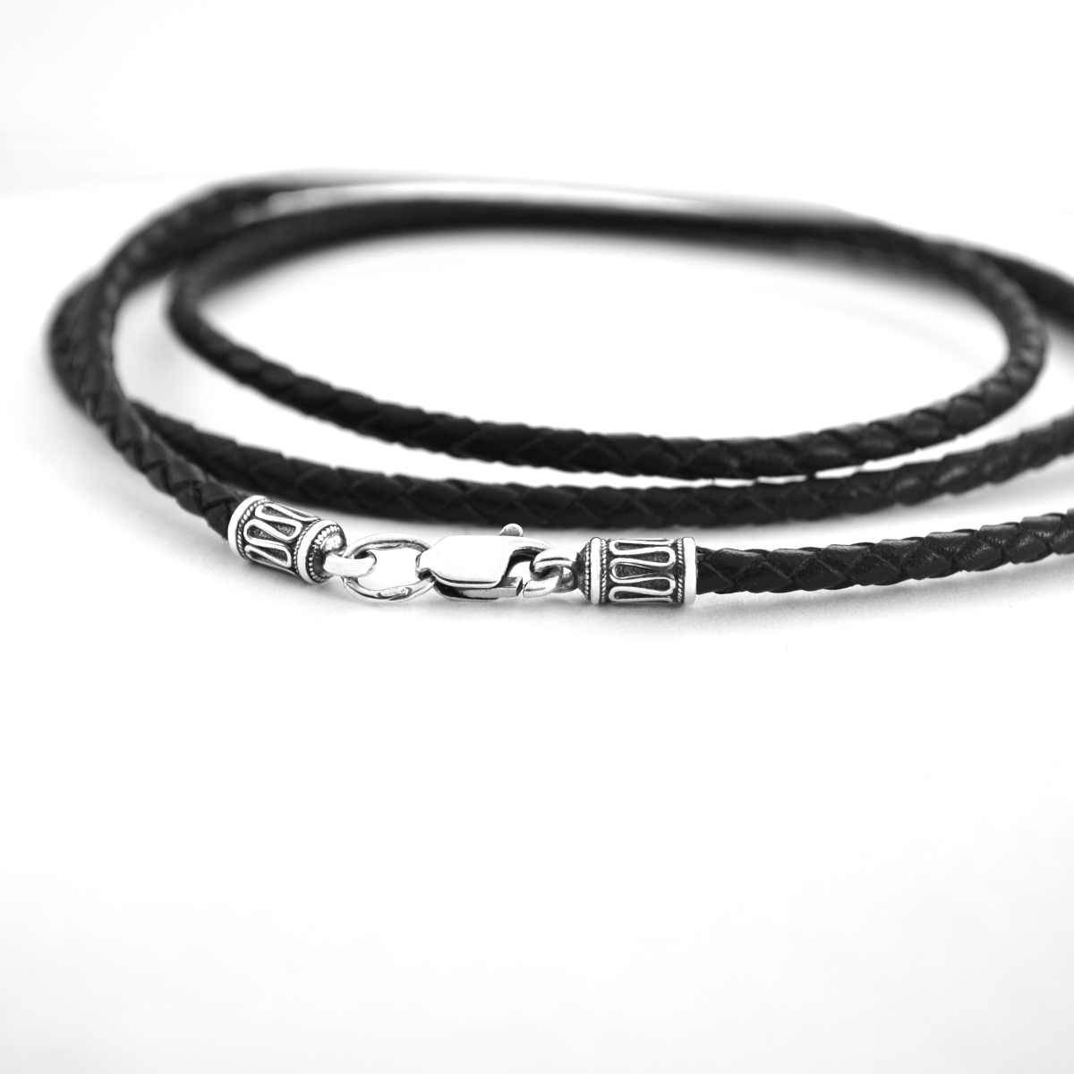 Шнурок с серебряными окончаниями 3мм